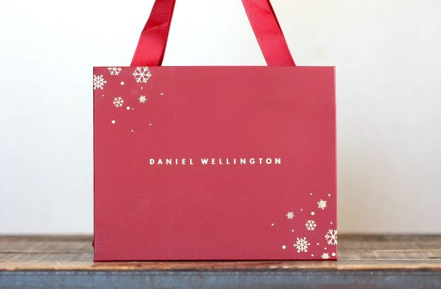 ダニエルウェリントンのクリスマスラッピング