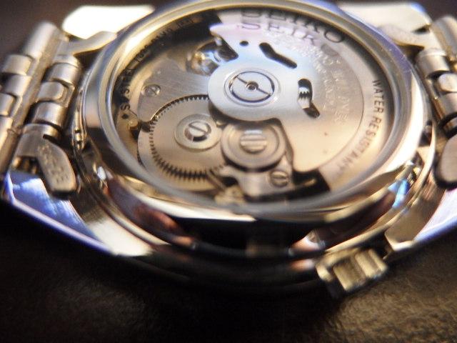 機械式時計は動かし続けるのは良いのか?