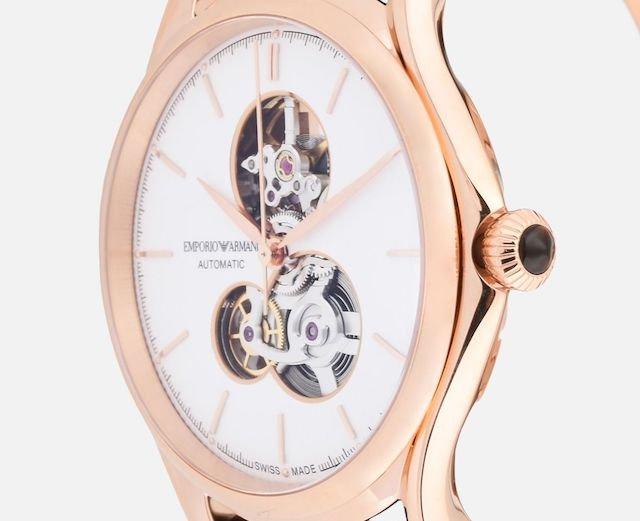 アルマーニの機械式時計