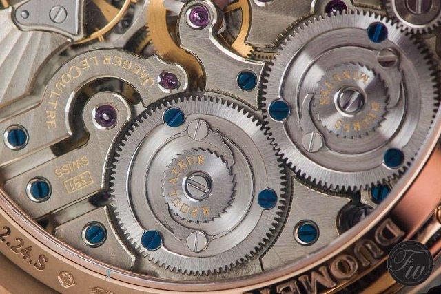 ツインダブルの時計のムーブメント