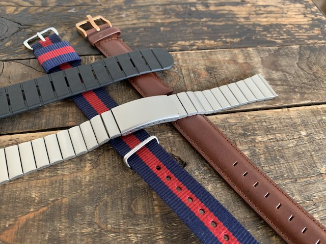 時計のレザーベルトやメタルベルト、ウレタンベルト、ナイロンベルト