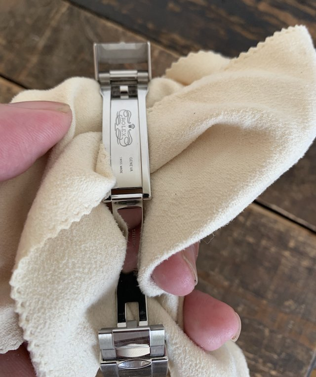 時計バックルやベルトの修理を行なってる専門店と、メンテナンスの重要性