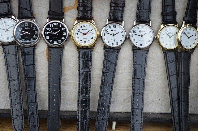 メルカリでは時計は売れない!?その理由と売れやすくなるコツを解説