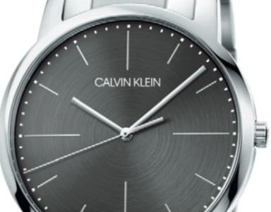 カルバンクラインの時計修理はいくらかかる?費用と依頼する方法を解説